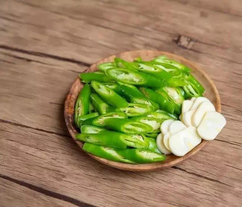 先炒辣椒还是先炒肉?很多人不知道做好辣椒炒肉,1个技巧告诉你 美食做法 第4张