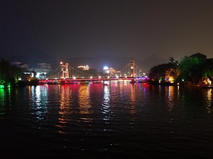 夜游桂林两江四湖,桥是最大的亮点,美得都想走一遍