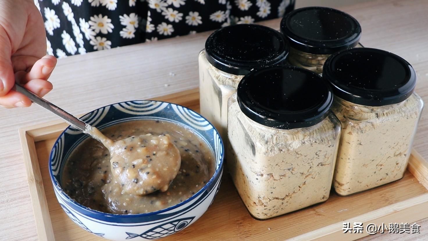 1碗玉米面简单一炒,1个月早餐都有了,低脂饱腹,营养又解馋