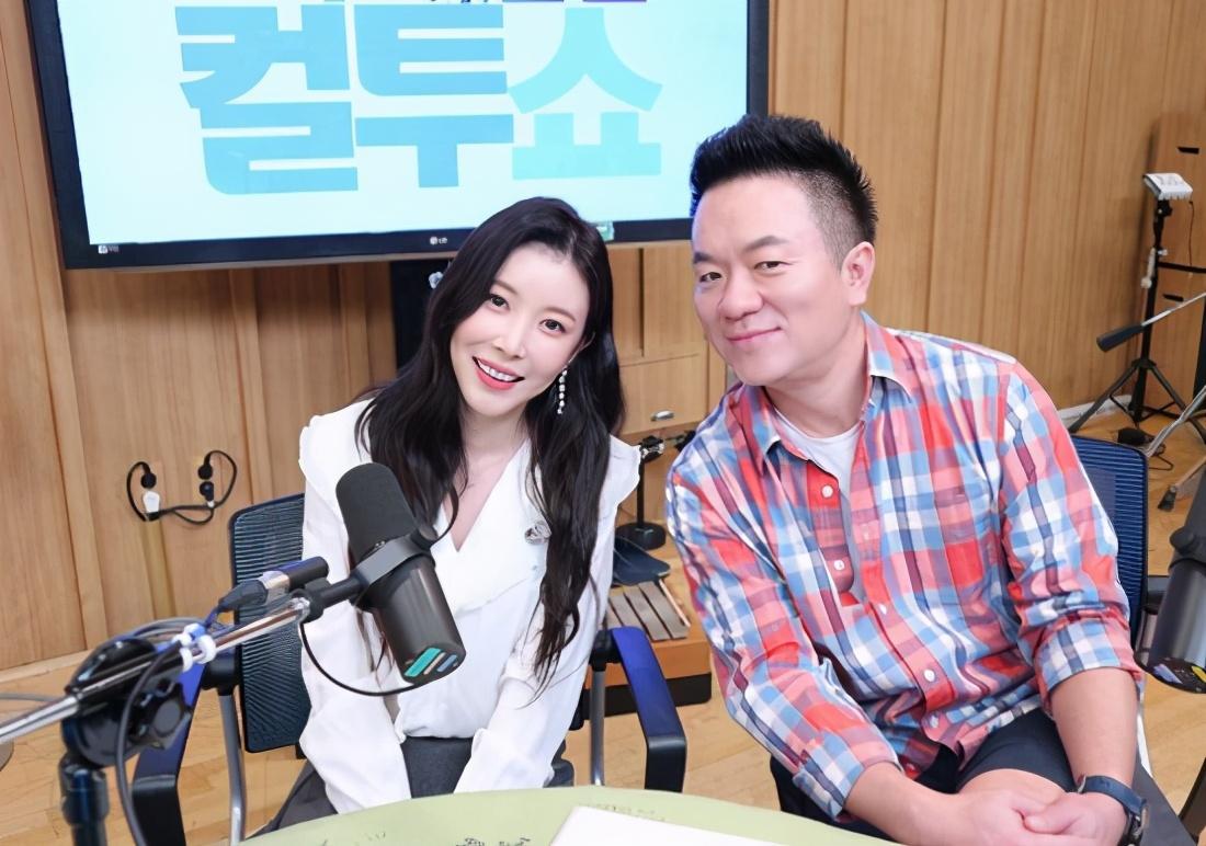她和金泰妍是同一批练习生,是SM长相评分第一名,可惜没能出道