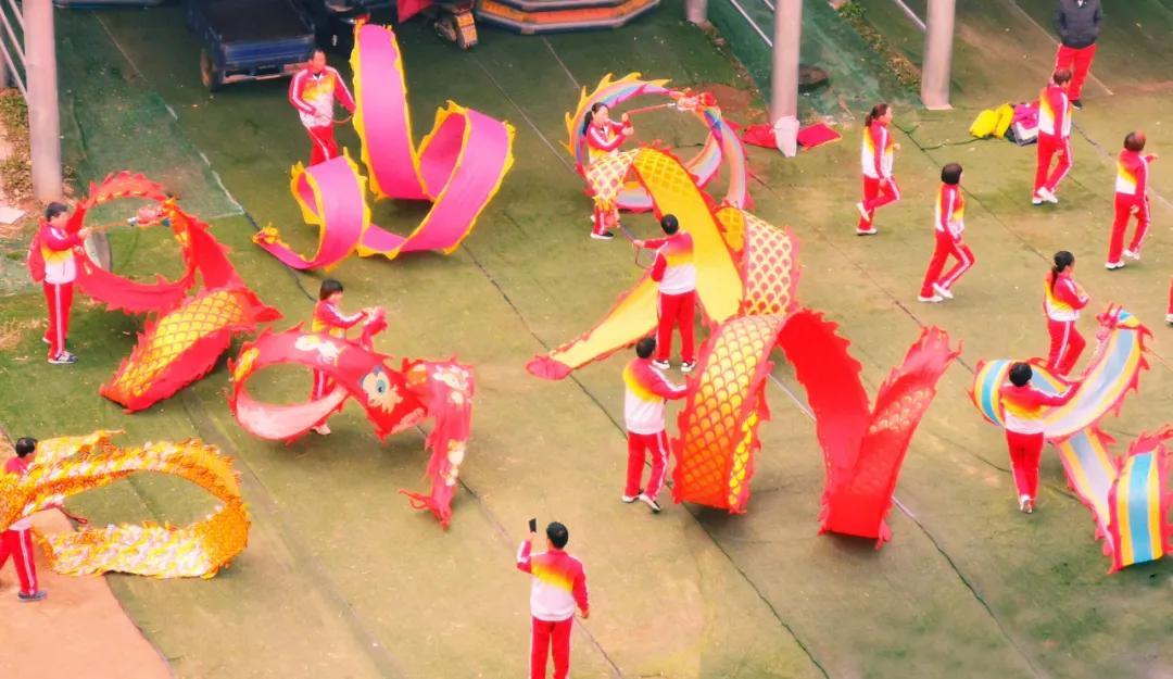 驻马店市红色文化研究会 红色文化艺术团走进金顶山唱红歌