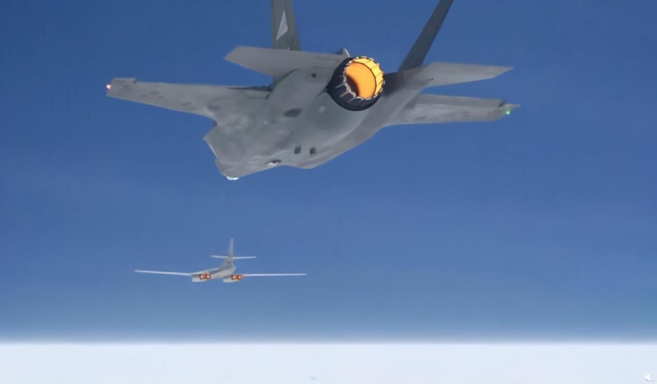 战略轰炸机被战斗机发现就能被拦截?图-160:先追上我再说