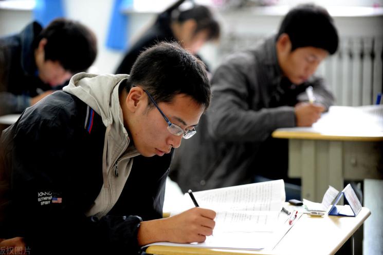 什么是成人高考,文凭的含金量如何,和自考之间有什么差别