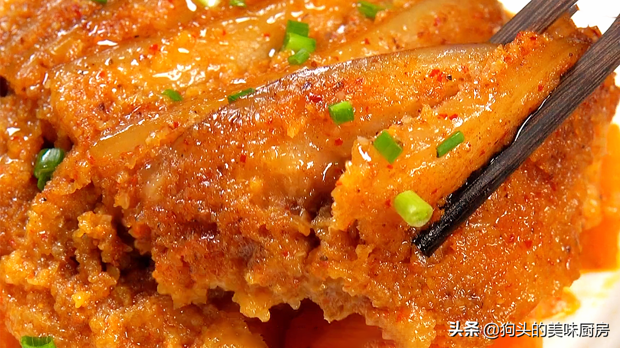 五花肉不红烧了,教你秘制的做法,上锅一蒸,下饭又解馋,太香了 美食做法 第3张