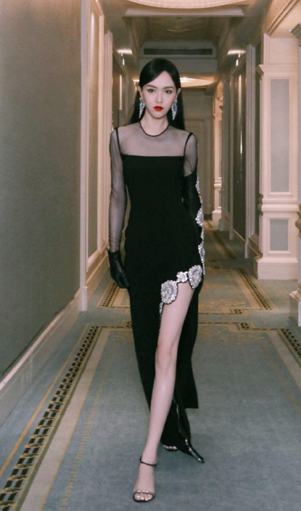 女演员的腿可以有多美?我以为关晓彤已是巅峰,没想到只是开始