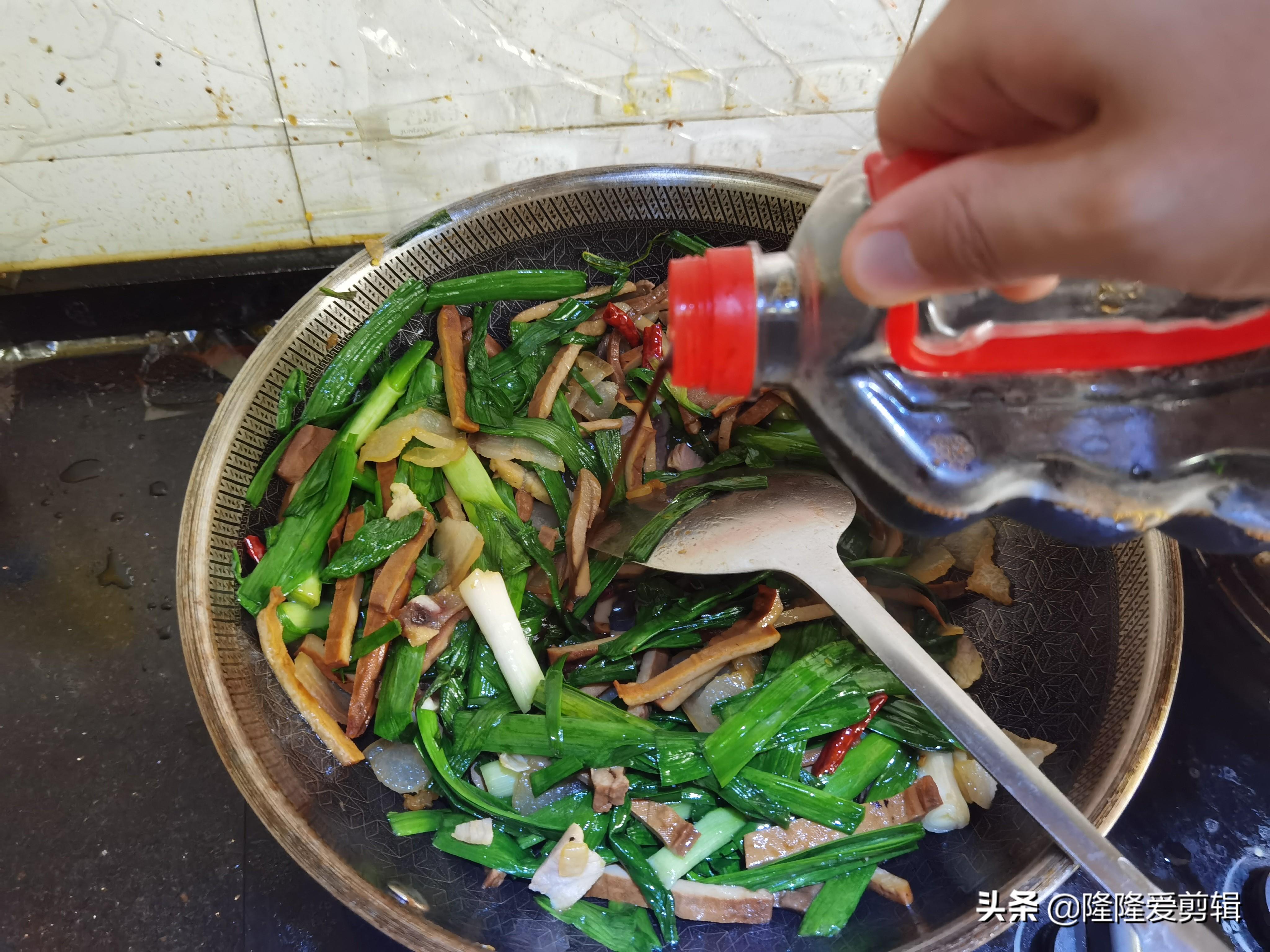 徽菜代表之一,风味独特鲜香四溢 徽菜菜谱 第4张