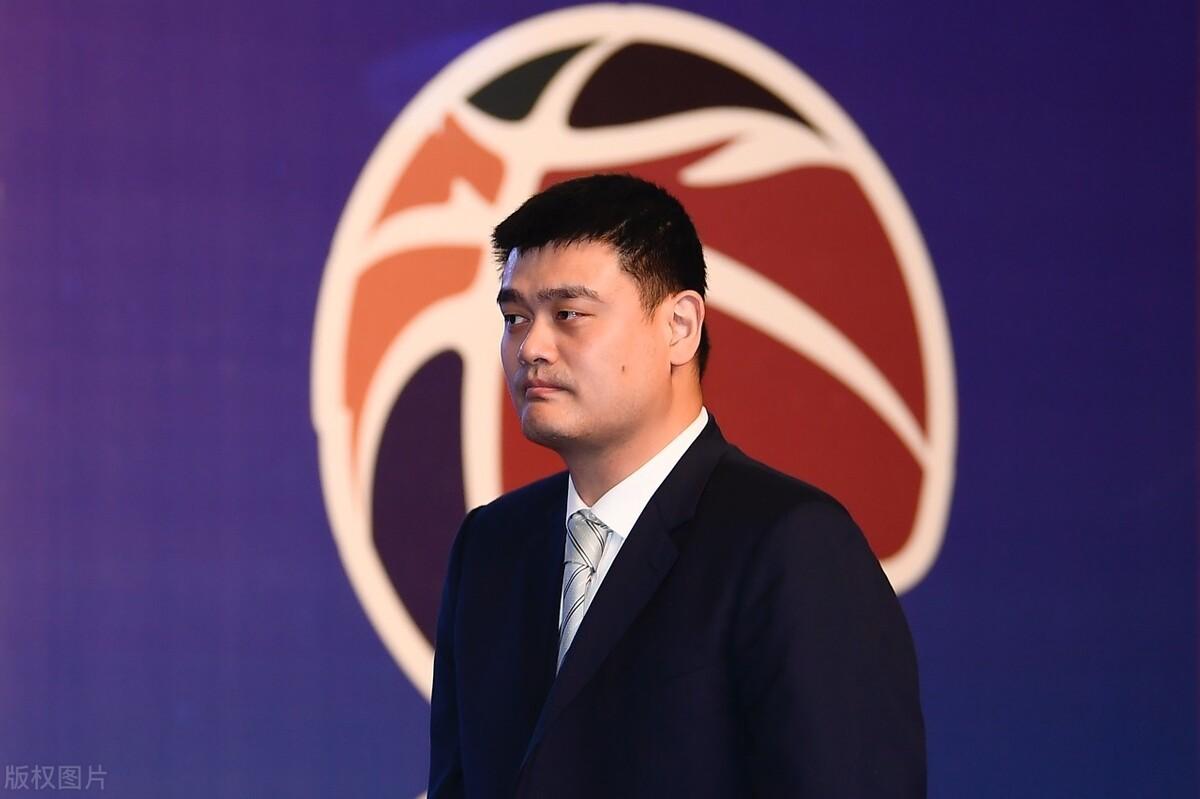 中国篮协遭FIBA重磅罚单:116.8万罚款+亚预赛扣除2分