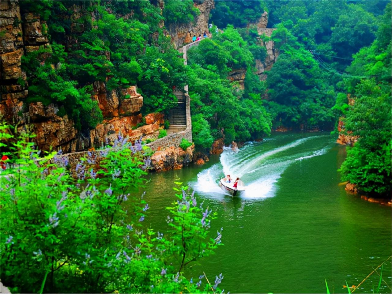 北京一景区蹿红,被誉为三角地区上光彩夺目的明珠,距市区85公里