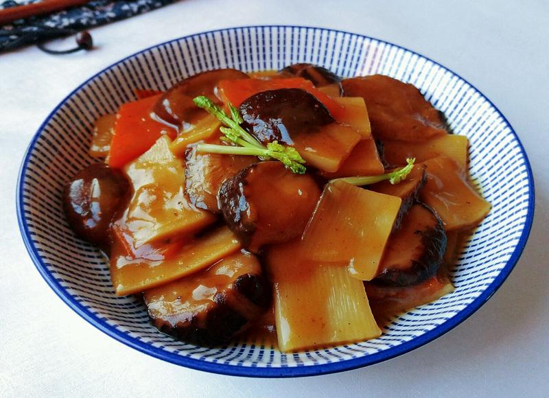 10道最受欢迎的鲁菜做法,地道山东人也不一定都吃过,你吃过几道 鲁菜菜谱 第8张