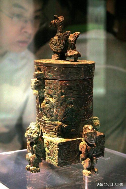 西周贵妇墓葬出土4280件文物,专家研究此文物20年,还是不懂