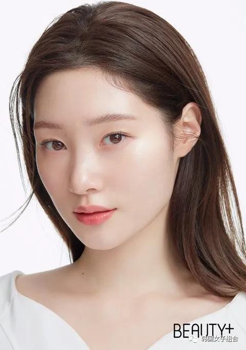 现在作为化妆品代言人模特活动中的女爱豆们