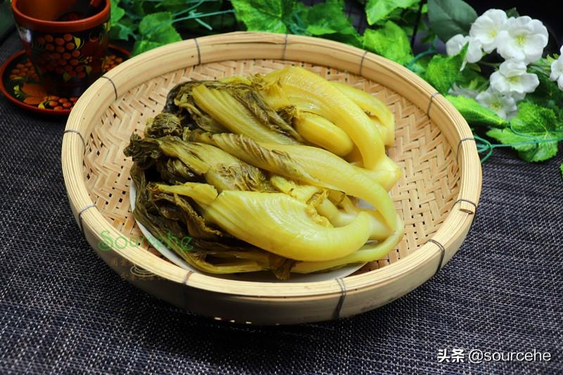 廣東用芥菜醃酸菜,掌握3個技巧,5天酸脆爽口,能儲存一年不壞