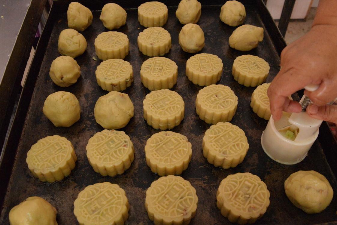 快中秋节了,教你自制五仁月饼,简单零失败,待客送人都有面子