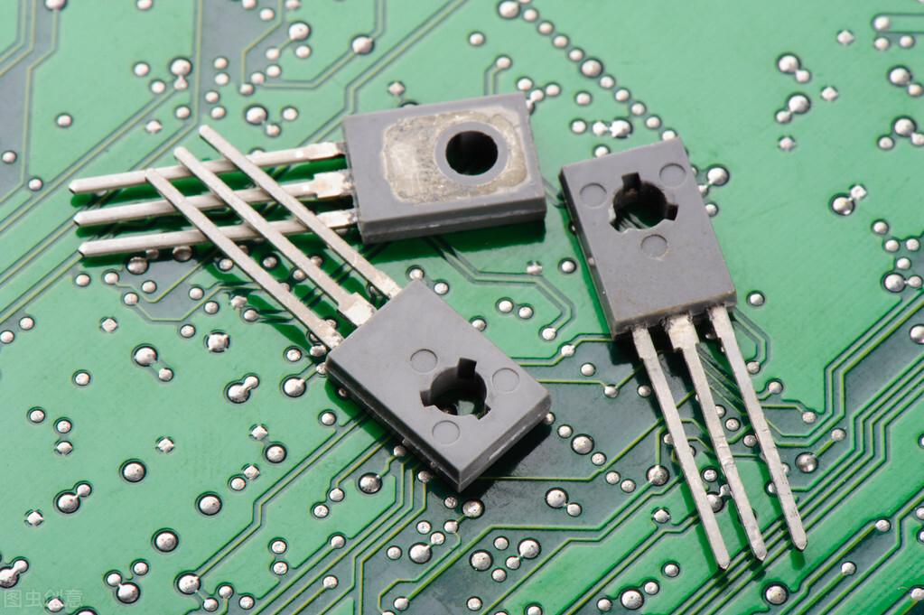 第三代芯片取得突破?清华大学宣布,国产芯片看到了曙光  ?