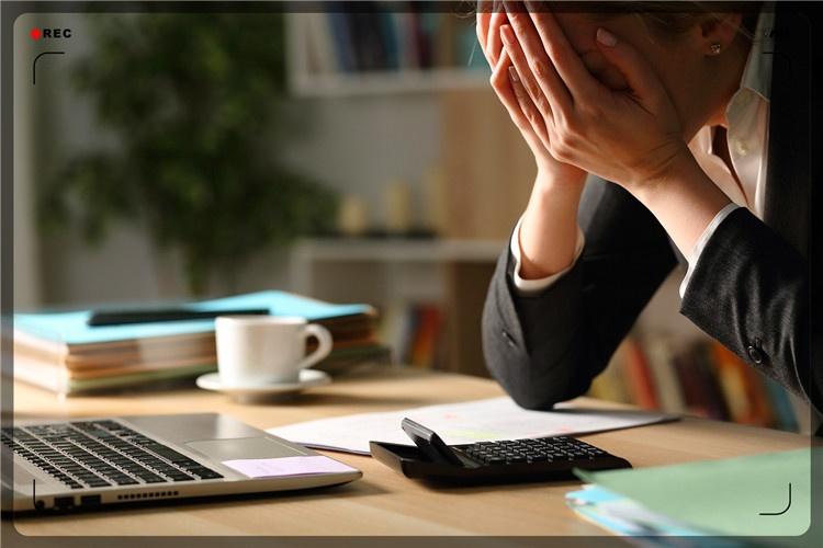 一个54岁的创业失败者,深陷债务泥潭,如何开始继续创业?