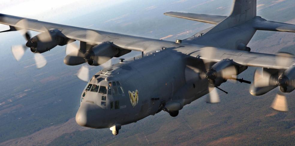 美国首创,调AC-130给航母护航,将密集阵放到空中
