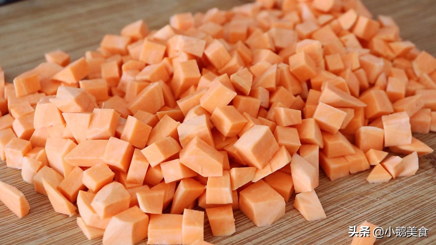 红薯别煮粥了,简单几步做小零食,香甜酥脆,孩子说比薯条还好吃 美食做法 第2张