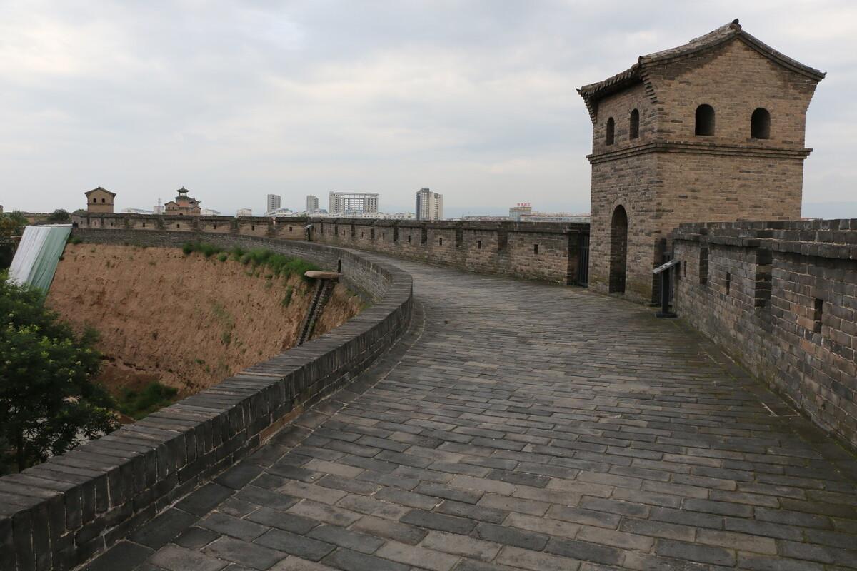西安等古城墙怎样建成?靠夯土墙模板,太专业很多人一辈子没见过