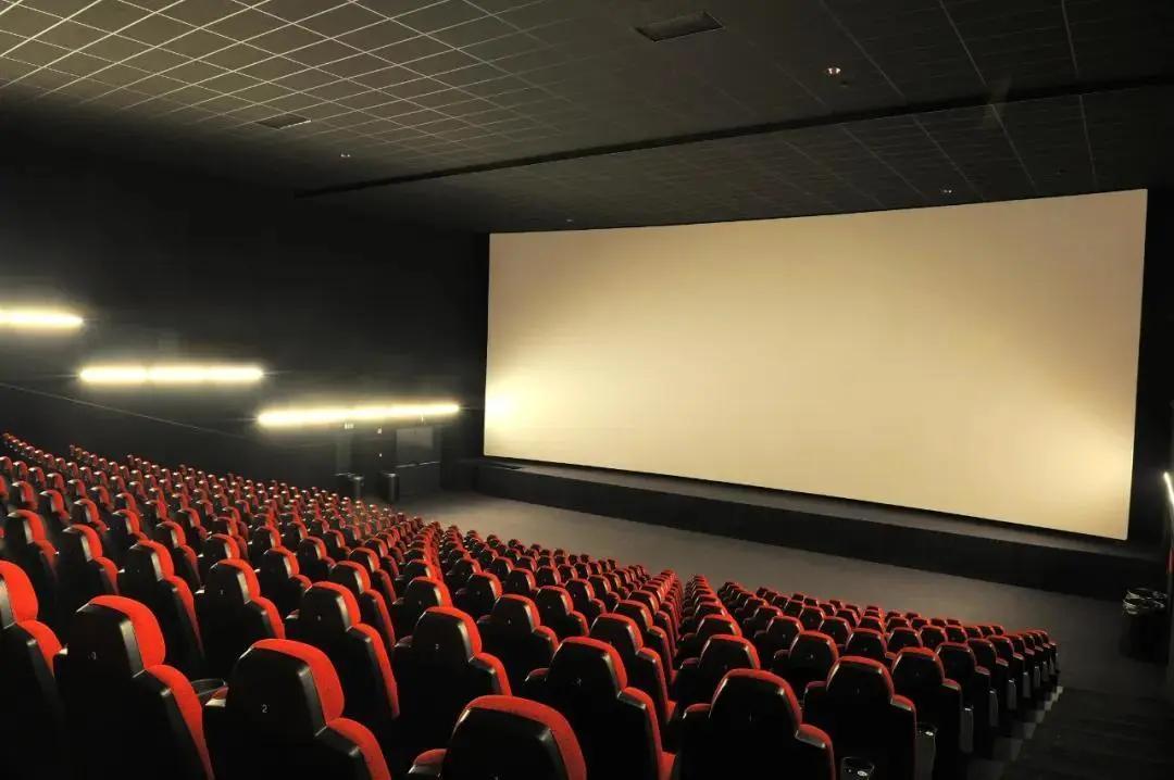 《你好,李焕英》票房突破41亿,影院映前广告具备优势