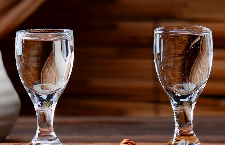 白酒知识丨多少度的白酒适合收藏?