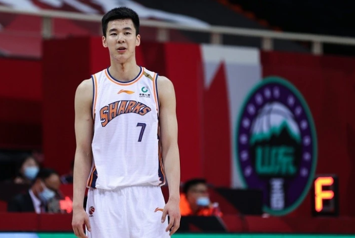 曝男篮00后新星报名参加今年NBA选秀 他被誉为男篮后卫线新希望