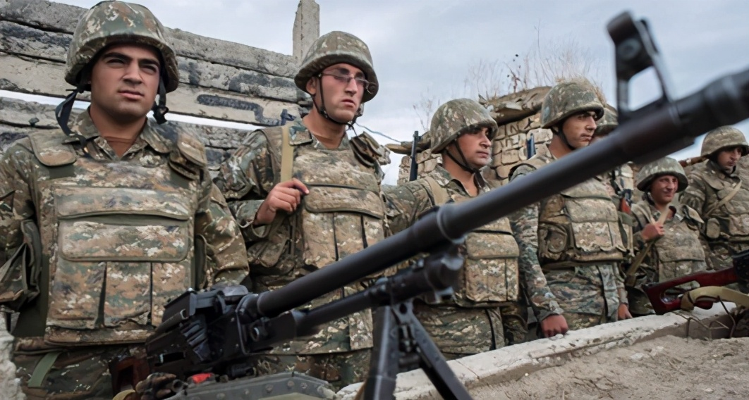 阿塞拜疆与亚美尼亚战火不断,美国释放关键信号,俄罗斯成受害人