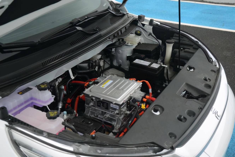 宝马3系纯电曝光 蔚揽取消四驱7月上市 元Pro新增三款车型上市