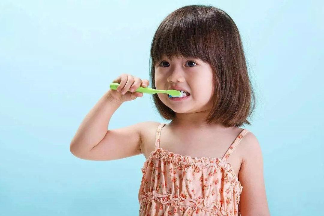 """孩子不好好刷牙?家长将这几张""""真相图""""给孩子看,很管用"""