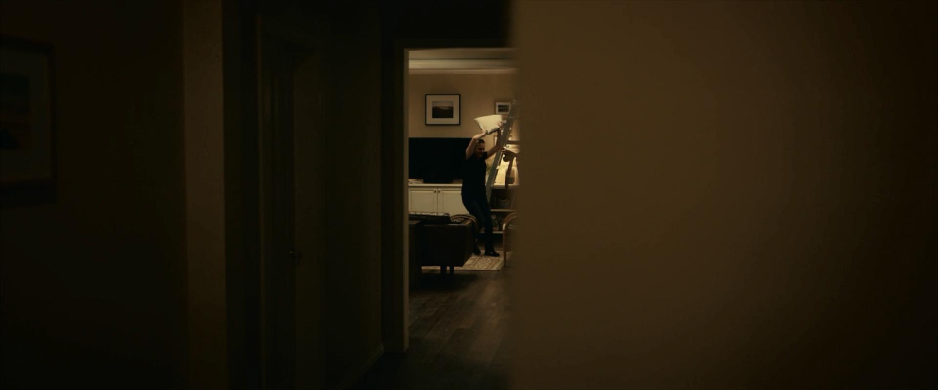 隐形人:700万美元拍出的2020年第一款爆款恐怖片