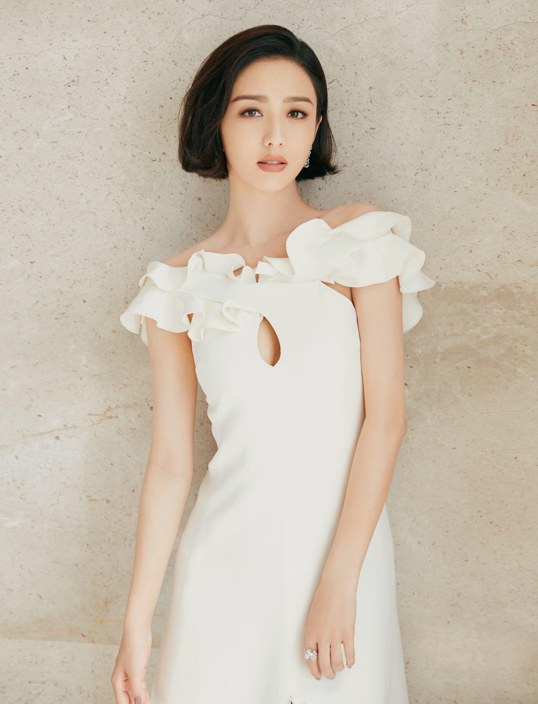 同样是穿白裙,为啥佟丽娅潮翻天,你却不会穿