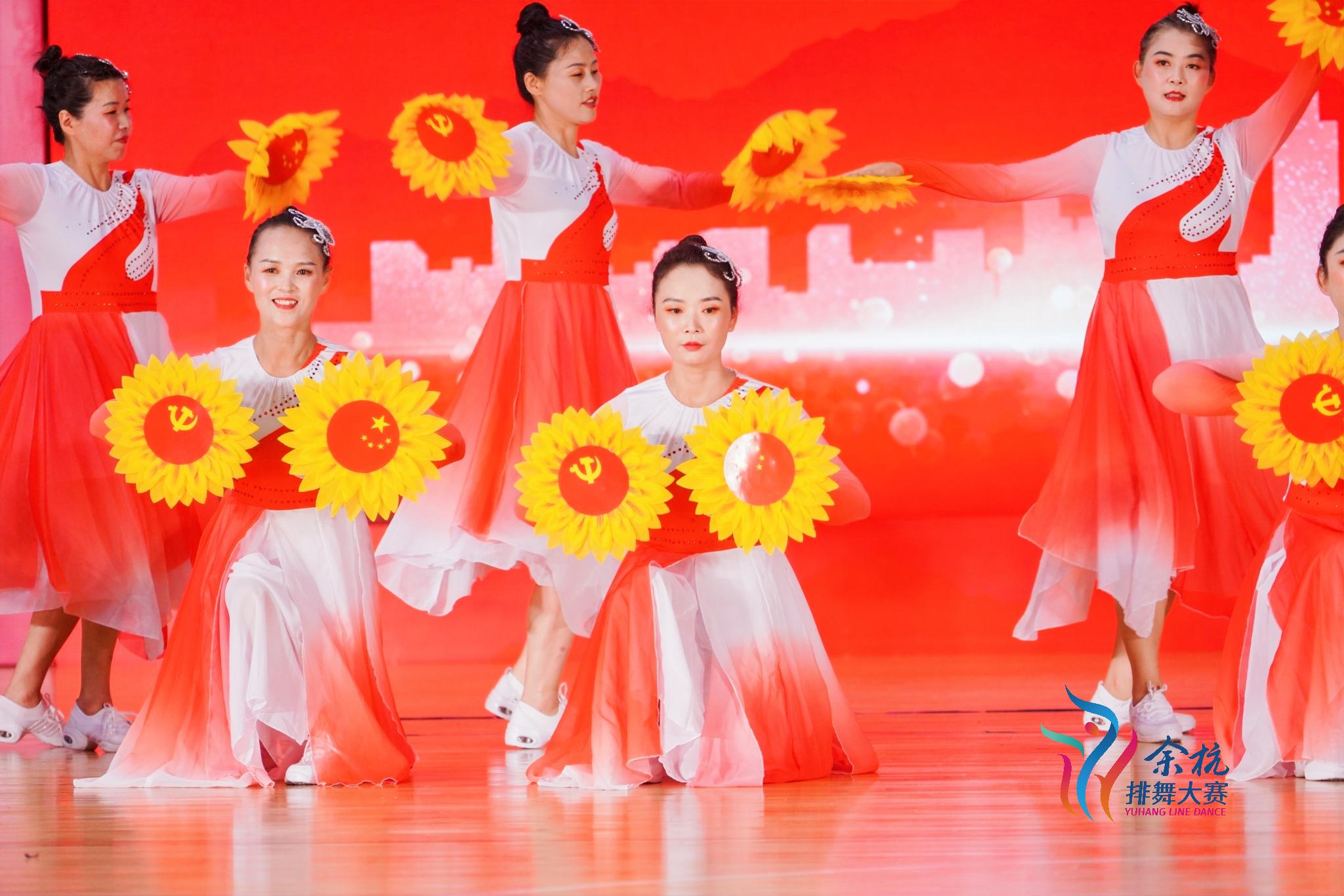 """""""幸福像花儿一样""""舞出农村文化建设最靓丽的风景线"""