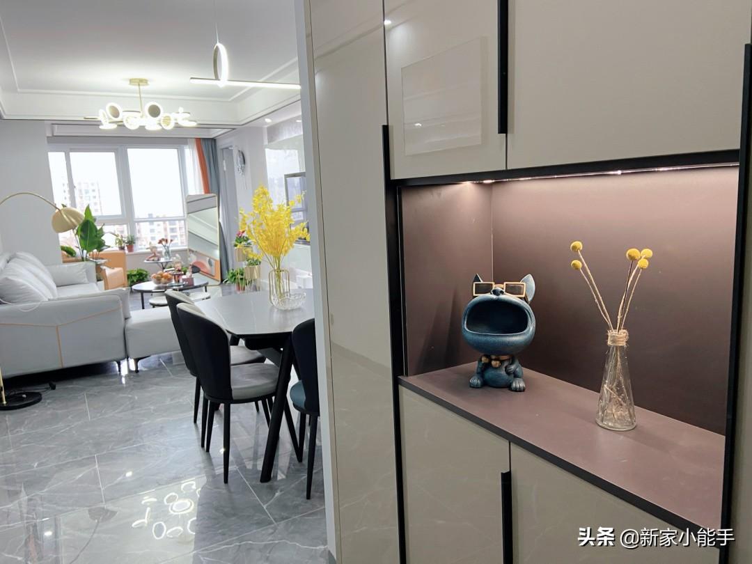 这是我见过装修现代轻奢风格比较漂亮的新房,颜值很高,很舒适