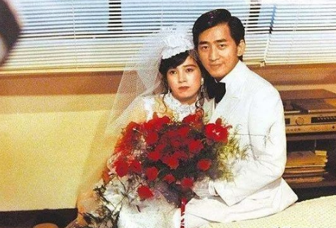 許純美:5段婚姻皆悲劇,曾揚言包養黎明周潤發,63歲身家百億