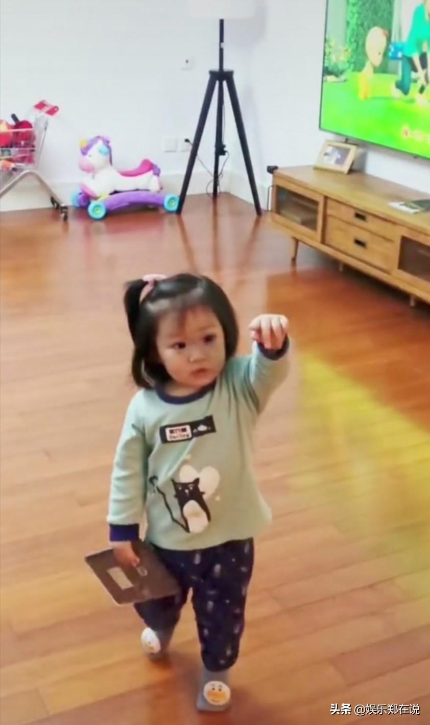 王祖藍給女兒穿30元衣服,小S也曾對女兒買衣服不能超過1千塊