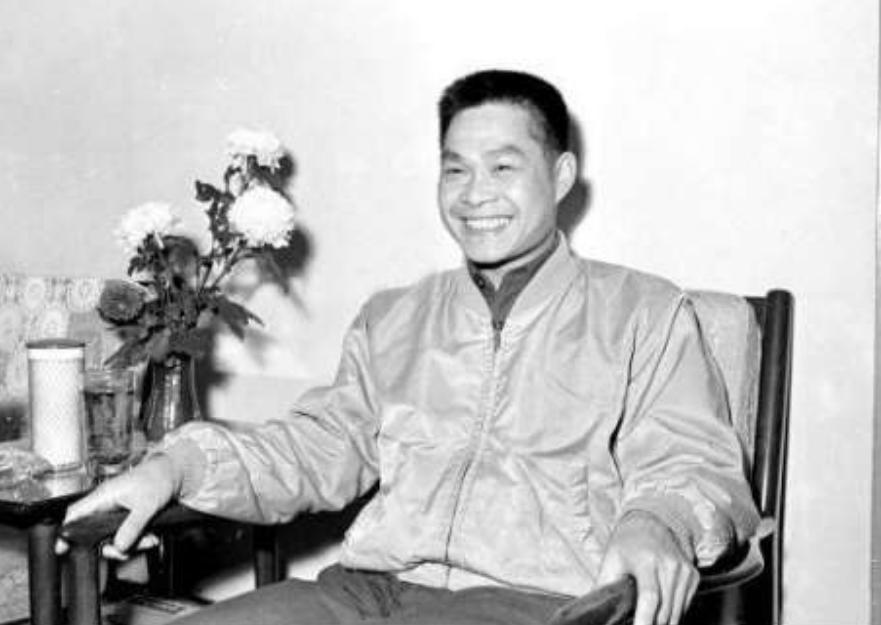 叛逃台湾的16名解放军飞行员,蒋介石给予哪些奖励?结局如何