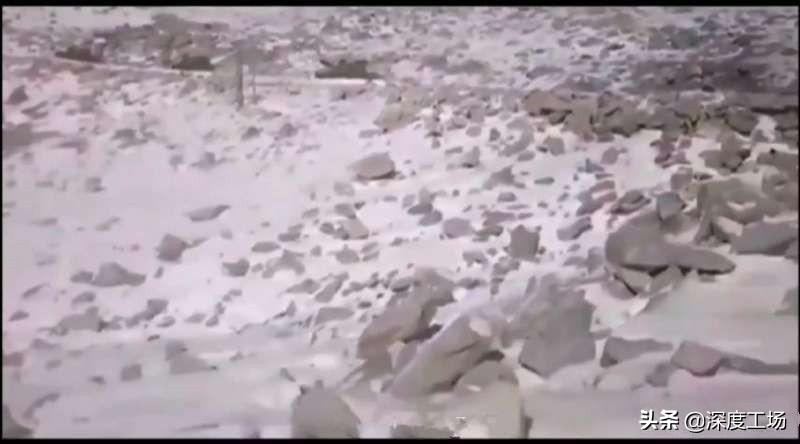 印度称列城山区发现大批坦克运输车:峡谷出现285个神秘集装箱