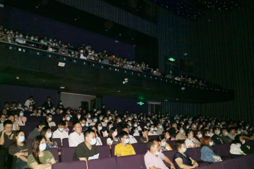 深圳原创音乐话剧《消失在房子里的罗曼蒂克》上演受好评