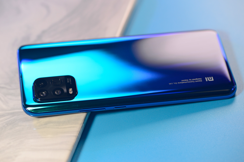 小米10青春版开箱体验:最薄的潜望变焦手机到底怎么样?