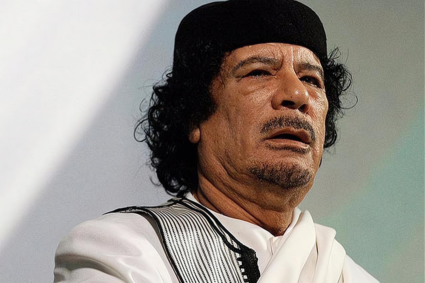 卡扎菲一生反美,萨达姆一被俘,为何又变脸谄媚美国?