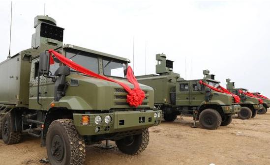 中国陆军下一代换装序幕拉开,两款神器亮相,第四代战争系统面世