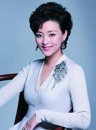 杨澜写给女人的五条忠告,句句如心,做一个有追求的女人!
