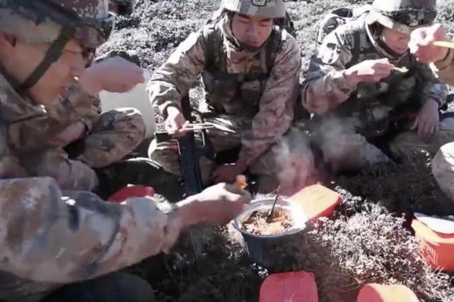 没对比就没伤害!印士兵忍寒挨饿!新消息:新产品能让印军吃热食