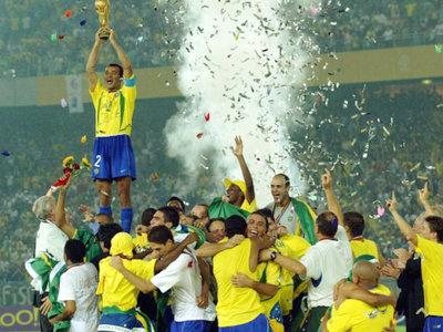 10年世界杯日本巴西(2014世界杯巴西vs日本)