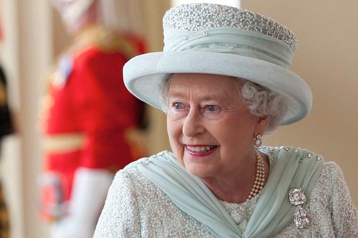 王室最昂贵的珠宝亮相!果然钻石是女人最好的朋友!