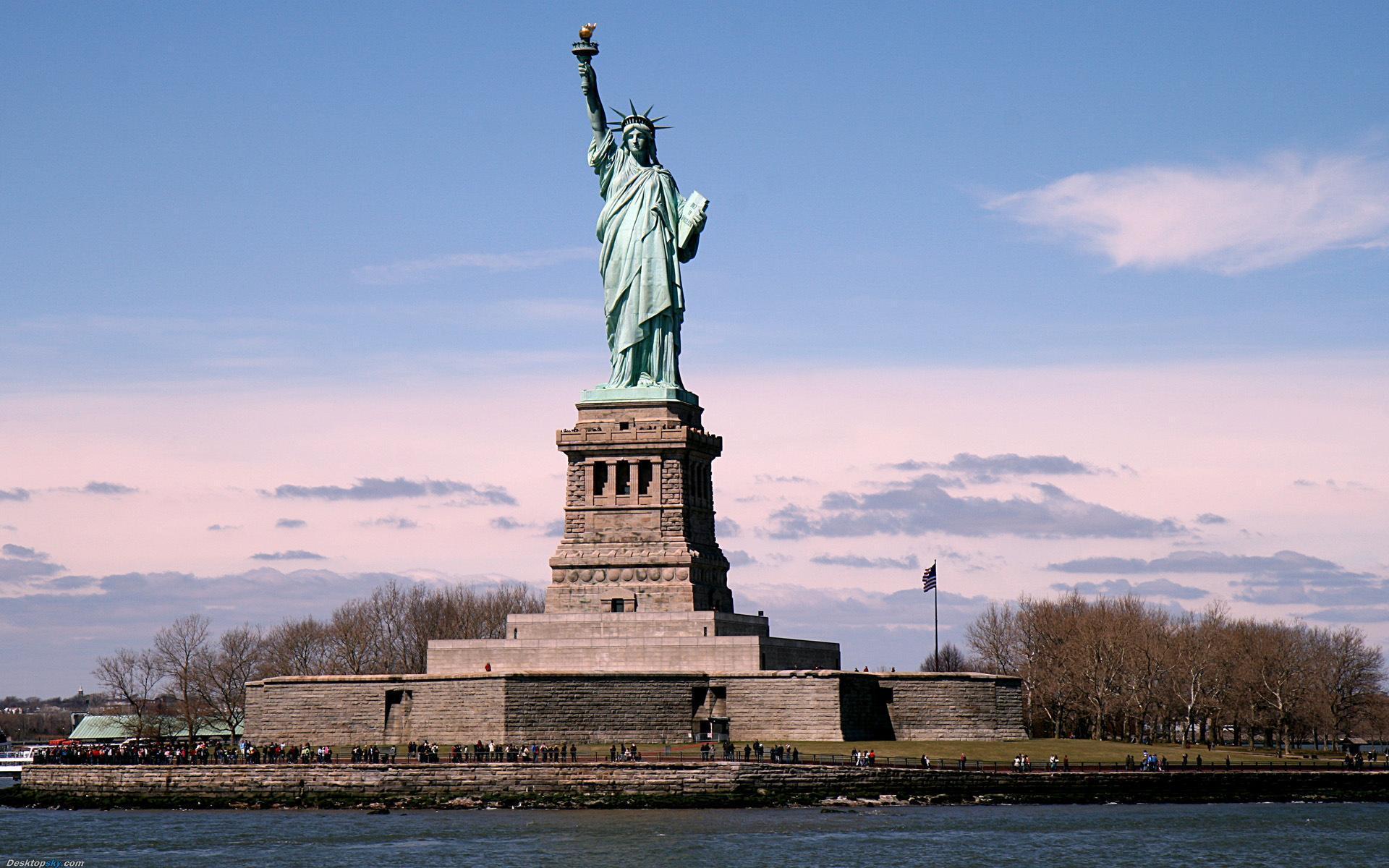 自由女神像是哪个国家送给美国的(自由女神像恐怖事件)