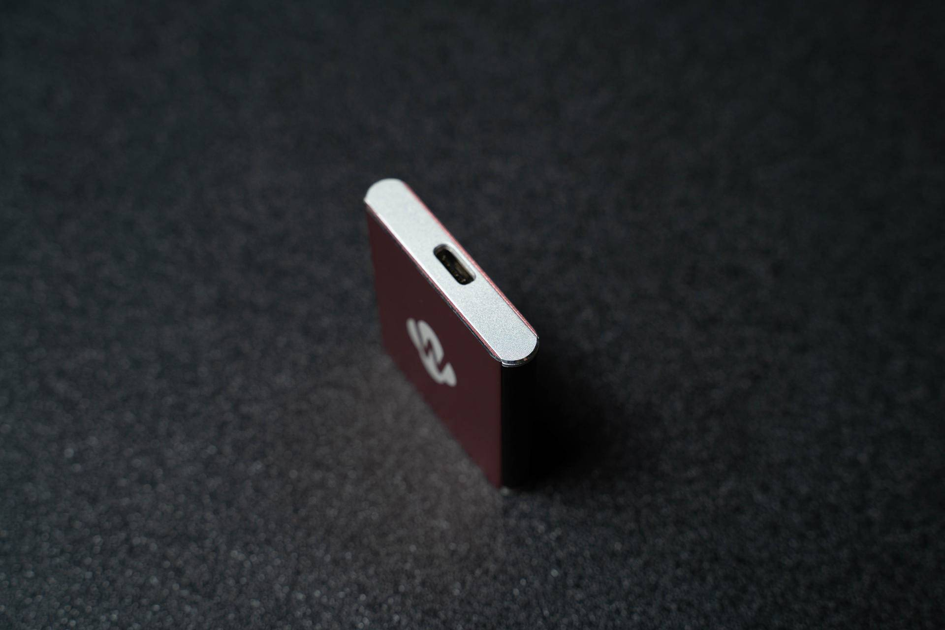 这么小的移动固态硬盘,佰微Swift 1T摄影爱好者值得拥有