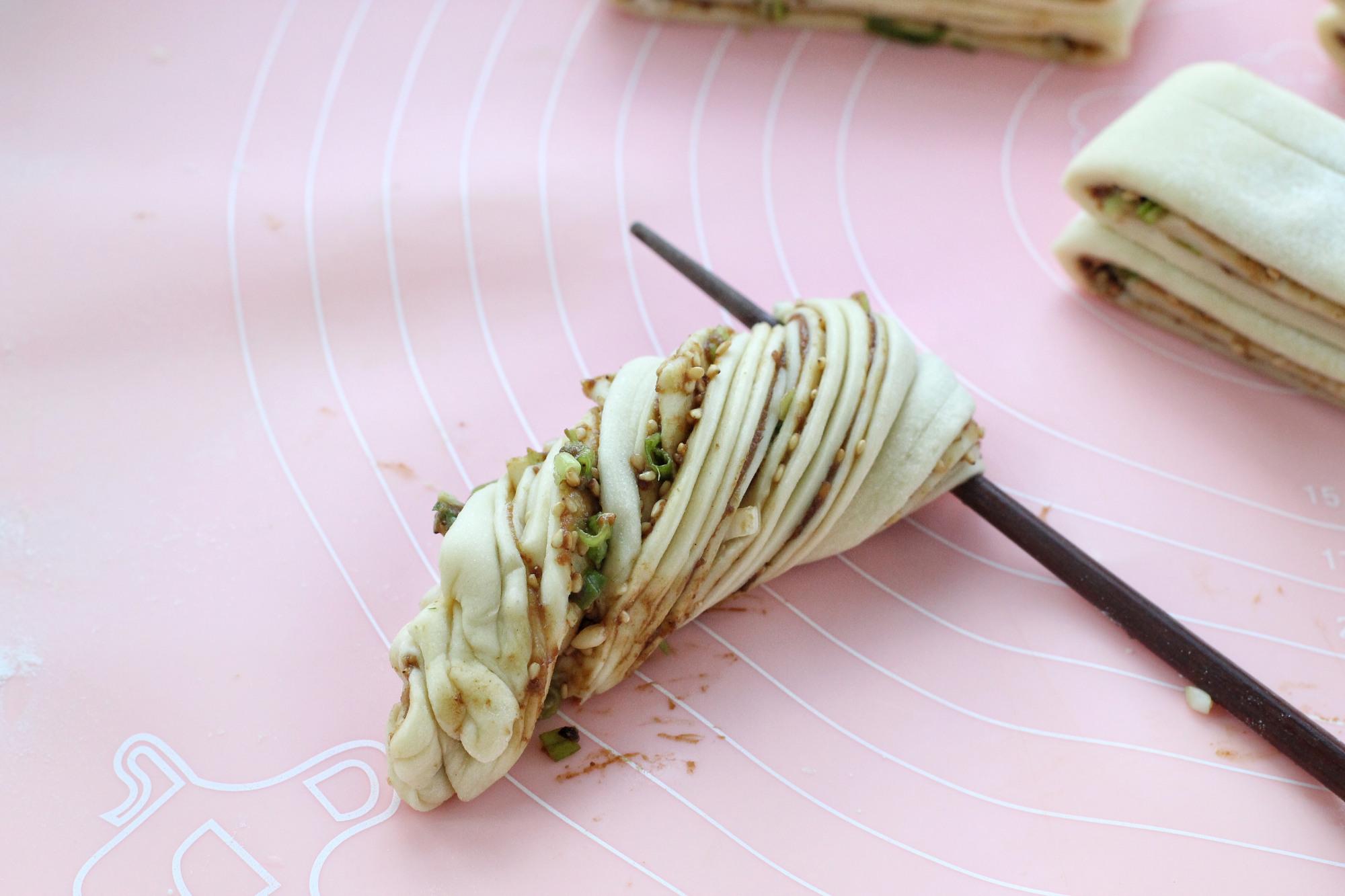 早餐就吃这面食,只需一次发酵,酱香浓郁又暄软,做一锅不够分