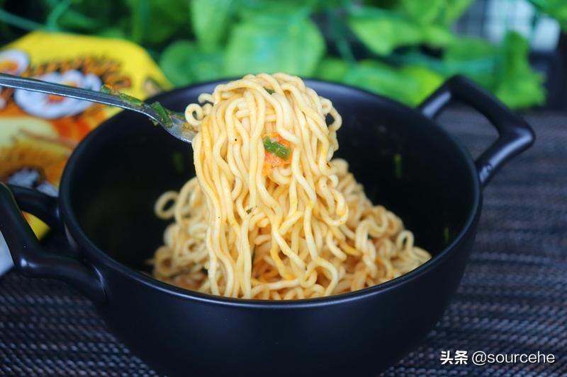 十大网红泡面,8个国家46种口味,连吃一个月都不腻的秘笈