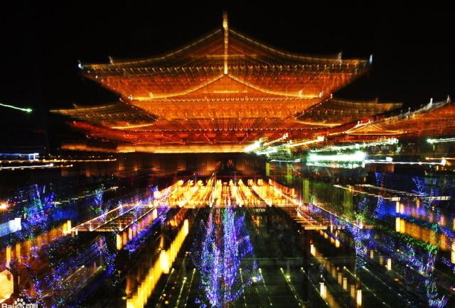 您向往星空吗?请遨游大唐不夜城用文化灯火,映照的璀璨星河