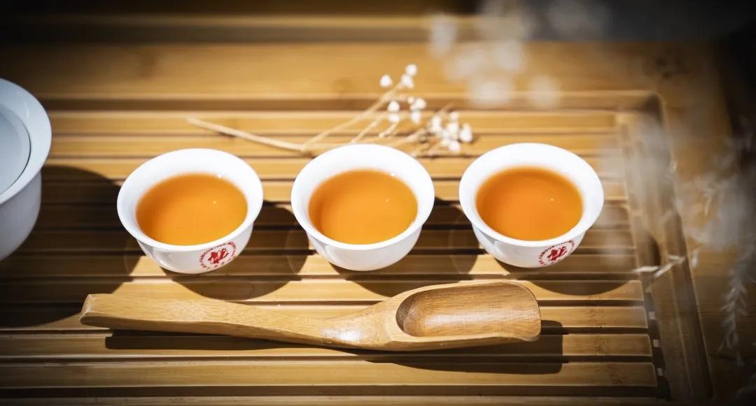 重要通知:堪稱瑰麗精紅的首款莊園級古樹紅茶火熱搶購啦